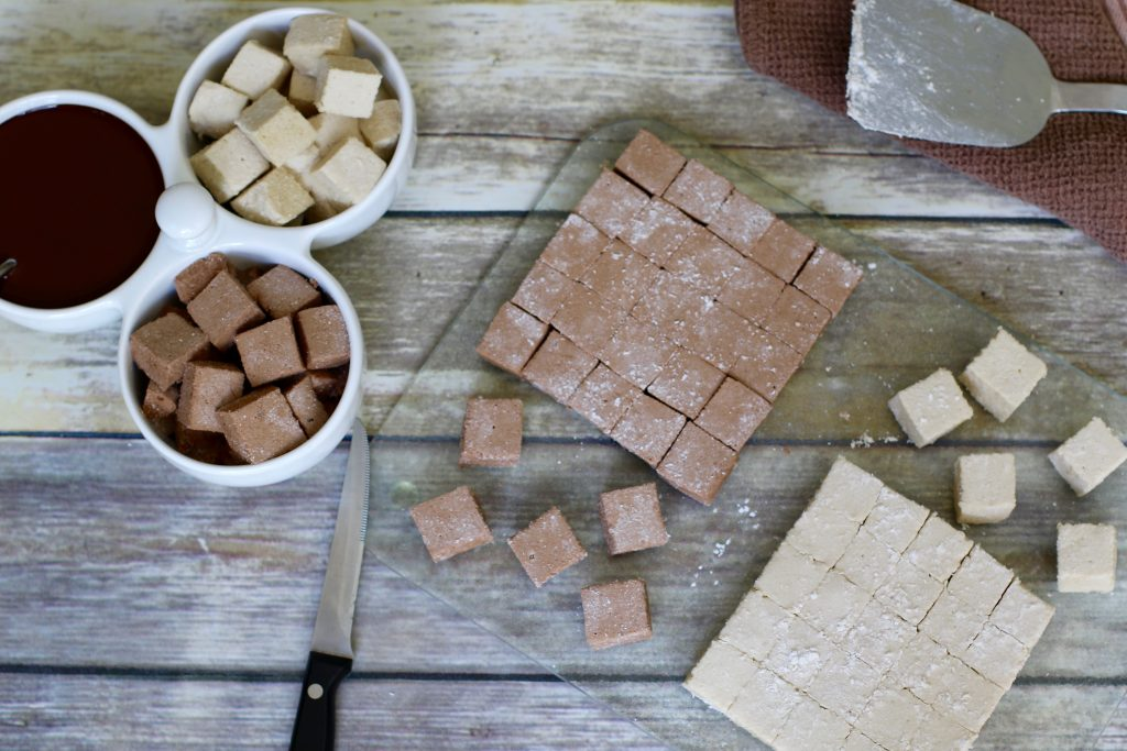 Delicious Homemade Vanilla and Chocolate Marshmallows (Gluten-Free, Dye Free) - runcooklaugh.com