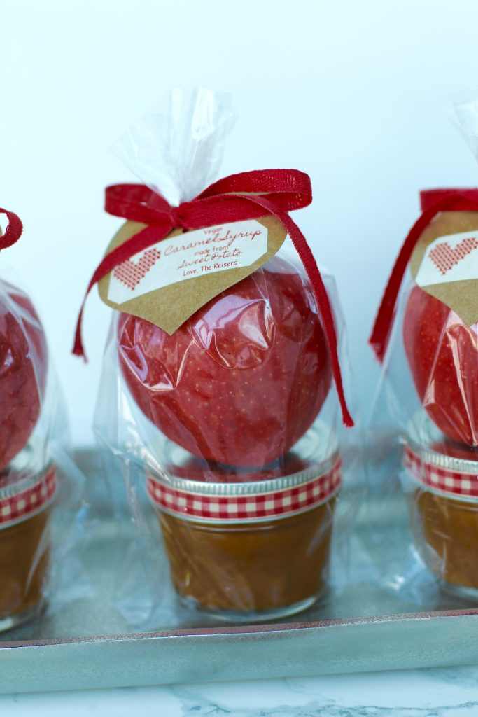 Valentine gift ideas in a mason jar. Vegan and gluten free caramel with an apple.